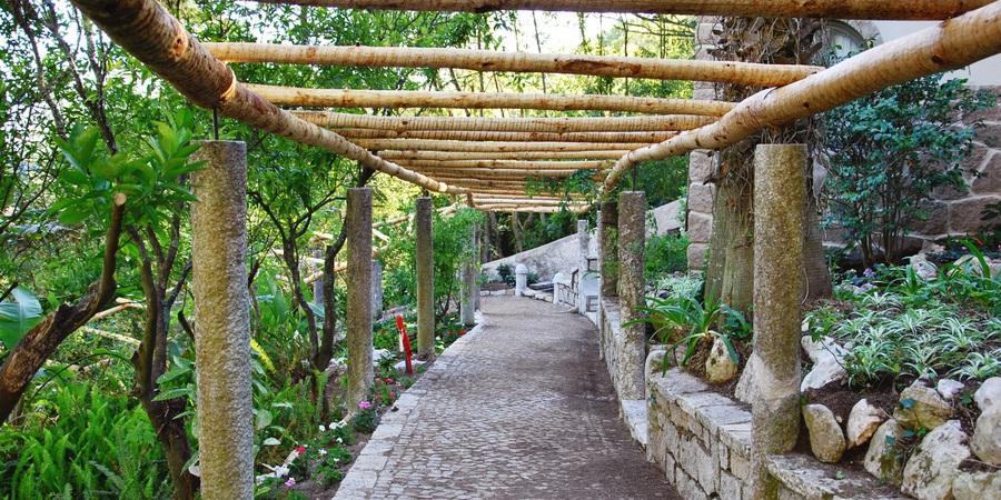 Percurso pedestre de um quilómetro liga palácio a castelo em Sintra