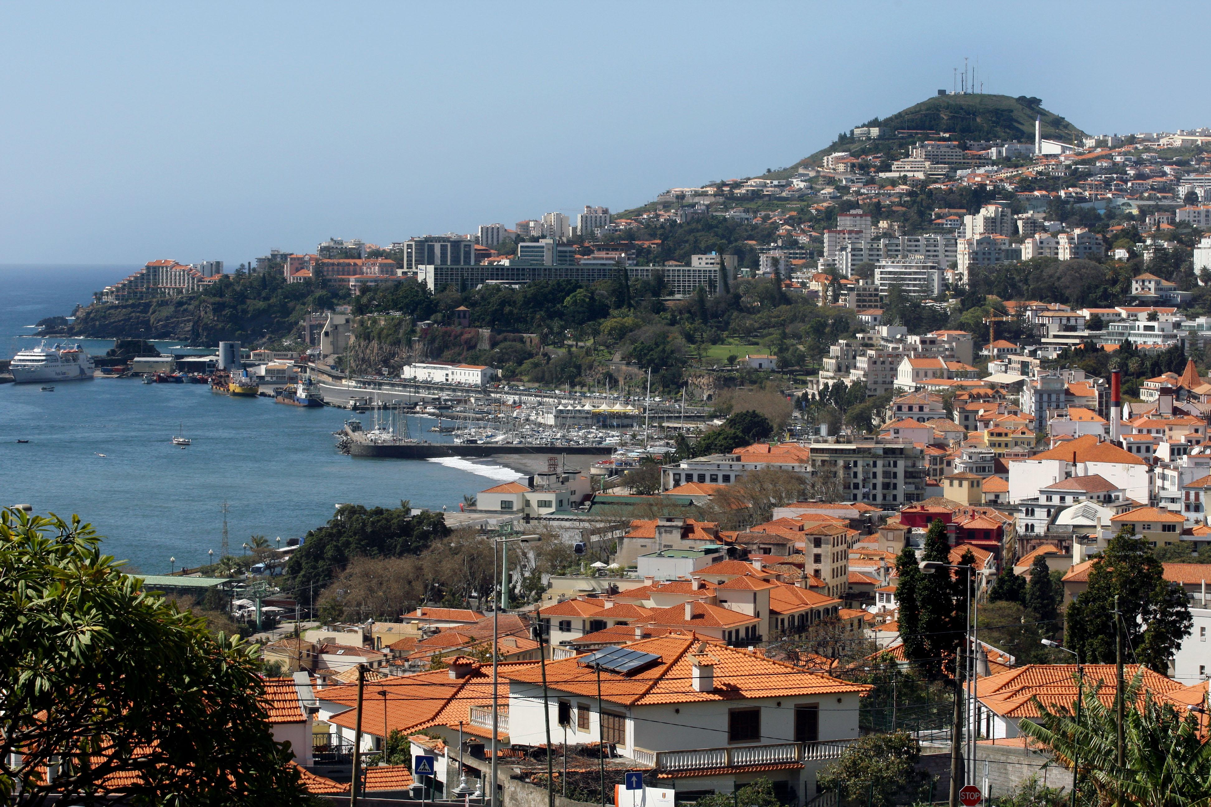 """Governo da Madeira diz que Portugal vive """"um dos piores momentos de sempre"""""""