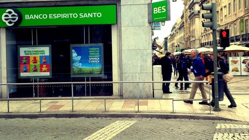 Ajuda aos bancos vai custar mais aos portugueses do que a Guerra Colonial?
