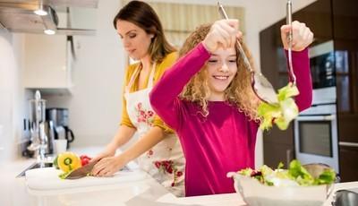 Qual a idade certa para as tarefas domésticas? Um pediatra responde