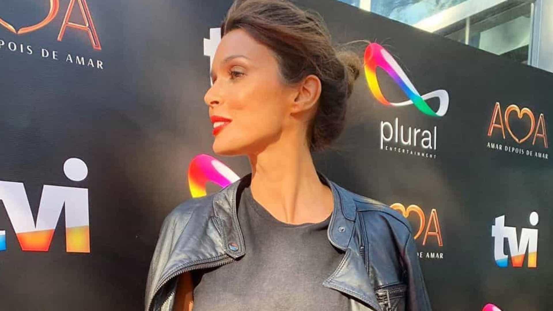 Maria Cerqueira Gomes mostra look escolhido para estreia de novela