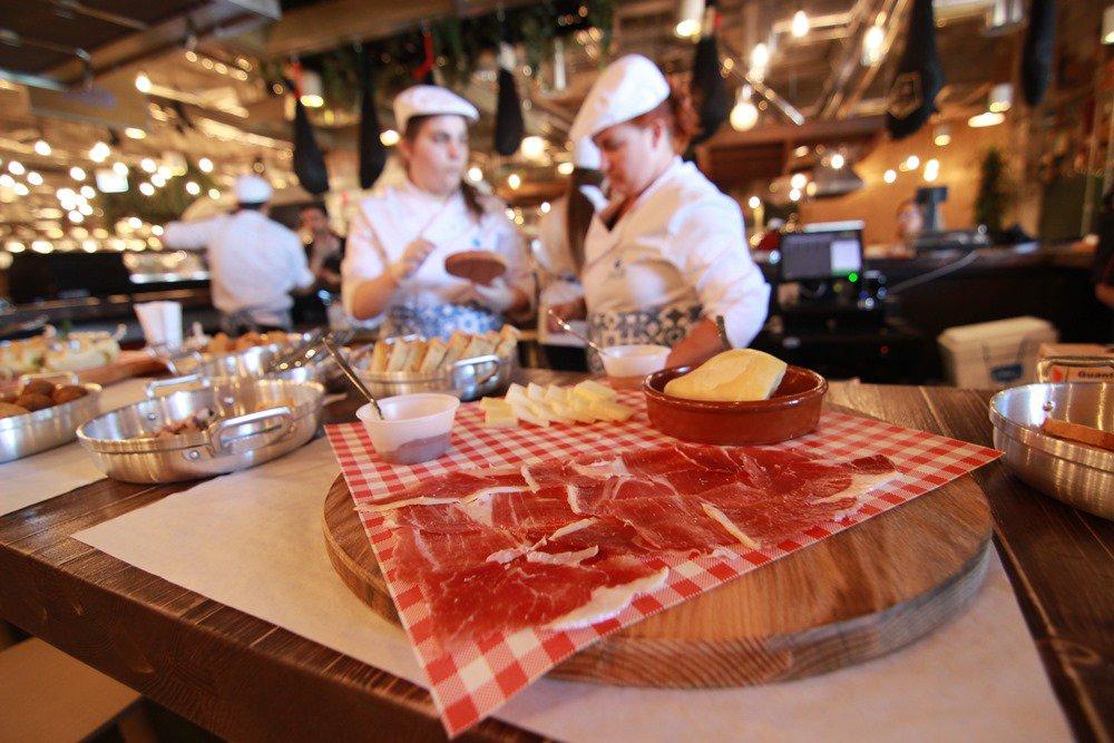 Cascais Kitchen: Oito variações em torno da cozinha com travo caseiro