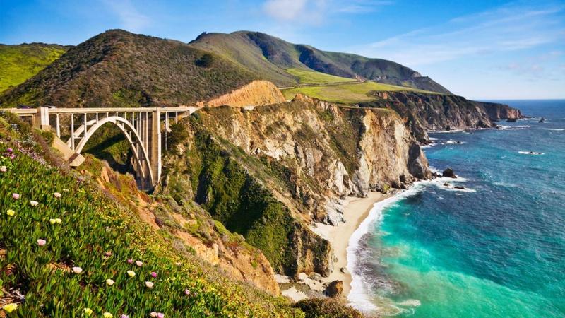 Conduzir com o mar no olhar: perca-se nas mais deslumbrantes estradas costeiras
