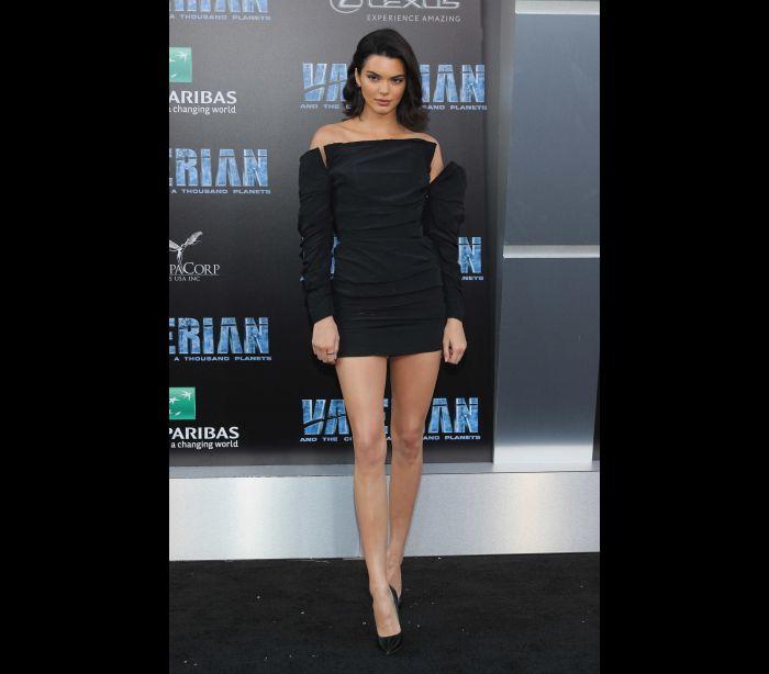 Kendall Jenner mostra carta de admirador