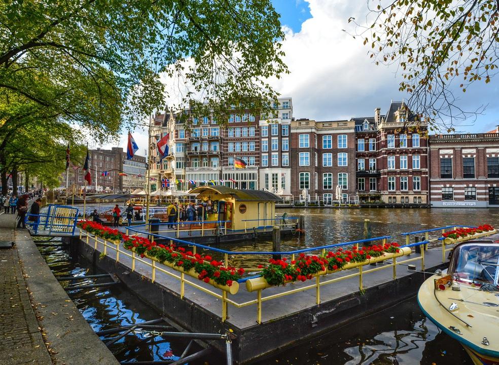 Amesterdão recebe Agência Europeia do Medicamento
