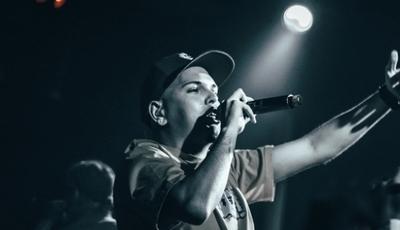 """""""Dar Vida"""": rapper Estraca continua a abrir caminho para o próximo álbum com single """"Profano"""""""