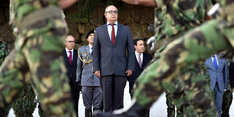 """Ministro da Defesa adverte para perigos da """"excitação bélica"""" contra Rússia"""