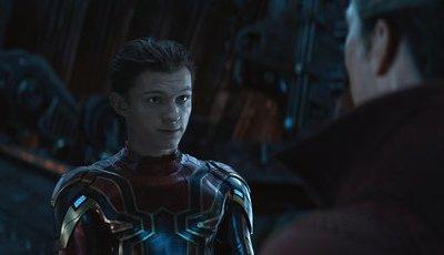 Conversa de Tom Holland com uns copos a mais ajudou a trazer Homem-Aranha de volta à Marvel
