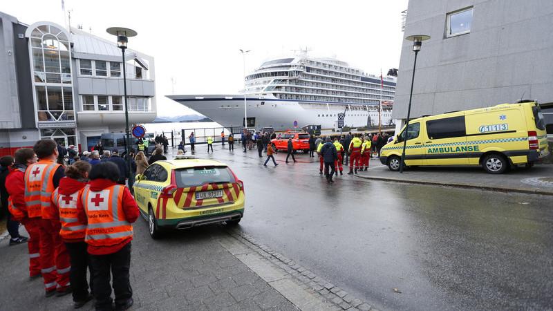 Vídeo de passageira mostra caos a bordo após falha no motor do cruzeiro norueguês