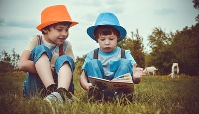 7 estratégias para estimular o cérebro do seu filho durante as férias de verão