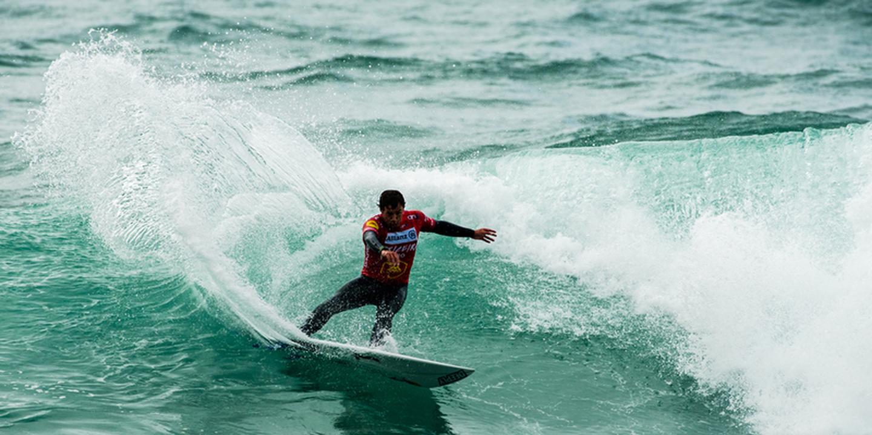 """Vasco Ribeiro eliminado: """"Fazer um 'heat' com o melhor surfista de tubos do mundo foi uma ótima experiência"""""""