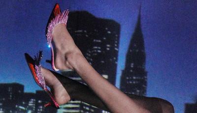 Tenha a época de festas a seus pés com estes sapatos statement