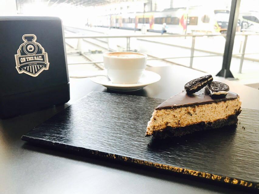 O café itinerante gosta dos comboios e promete percorrer todo o país