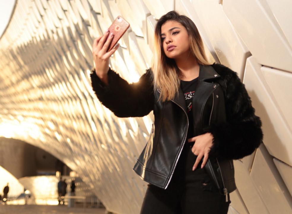 Bárbara Bandeira, a cantora de 16 anos que já é um 'fenómeno' nas redes sociais