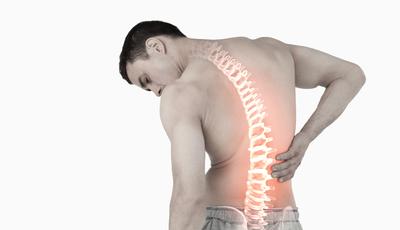 Tem dores de costas? 10 conselhos médicos para manter a coluna saudável