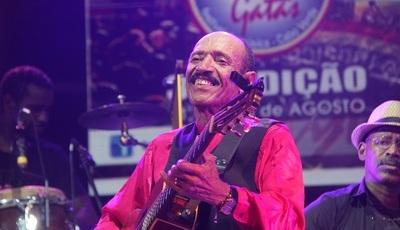 Armando Tito conta em Portugal a história de Cabo Verde nas mornas do seu violão