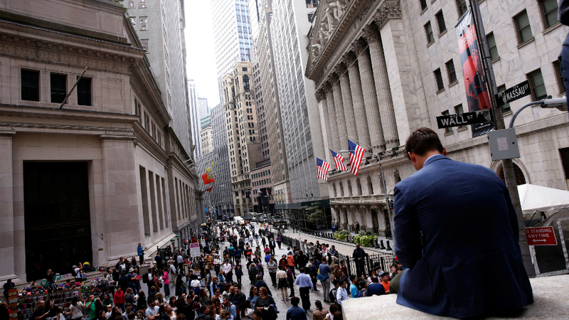 Wall Street volta às perdas após nova queda dos preços do petróleo