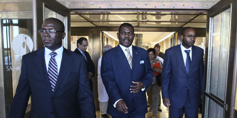 Angola: Presidente exonera embaixador em Lisboa