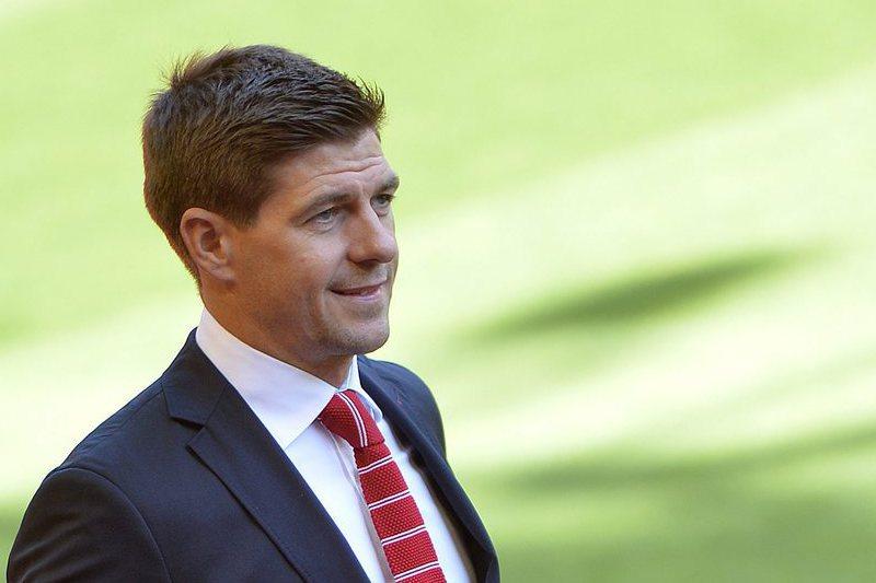 Steven Gerrard tem novo desafio no Liverpool