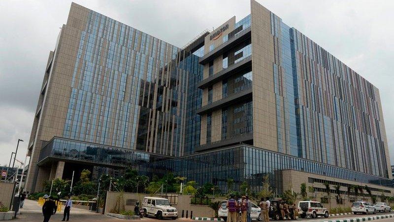 Na corrida da liderança do e-commerce na Índia, Amazon inaugura o maior edifício fora dos EUA