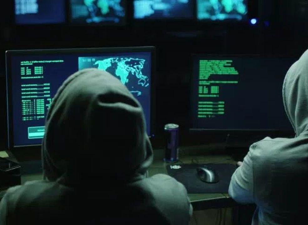 Microsoft alertou cerca de 10 mil pessoas que as suas contas de email foram alvo de ataques de hackers