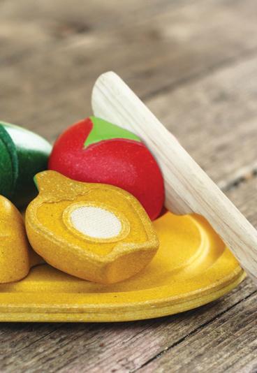 Ganhe 1 dos 5 Set de Frutas Plan Toys que temos para oferecer