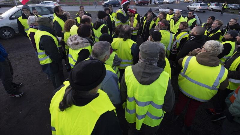 """""""Coletes amarelos"""" protestam hoje em França pelo quinto sábado consecutivo"""