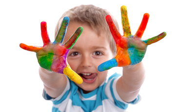 Crianças que fazem trabalhos manuais tendem a ser mais imaginativas