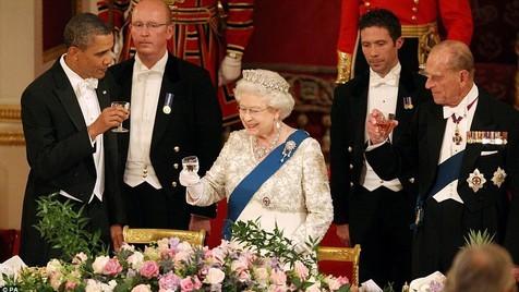Como dar um jantar como a rainha de Inglaterra