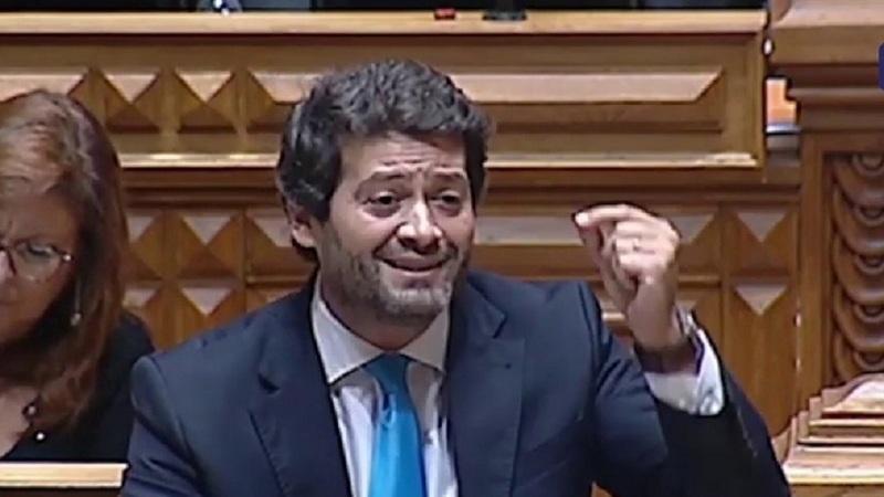"""André Ventura apresenta demissão e convoca eleições para """"clarificar o que o Chega quer"""""""