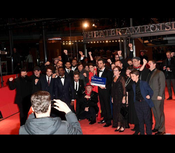 Festival de Berlim: Wagner Moura leva cartaz com nome de Marielle Franco