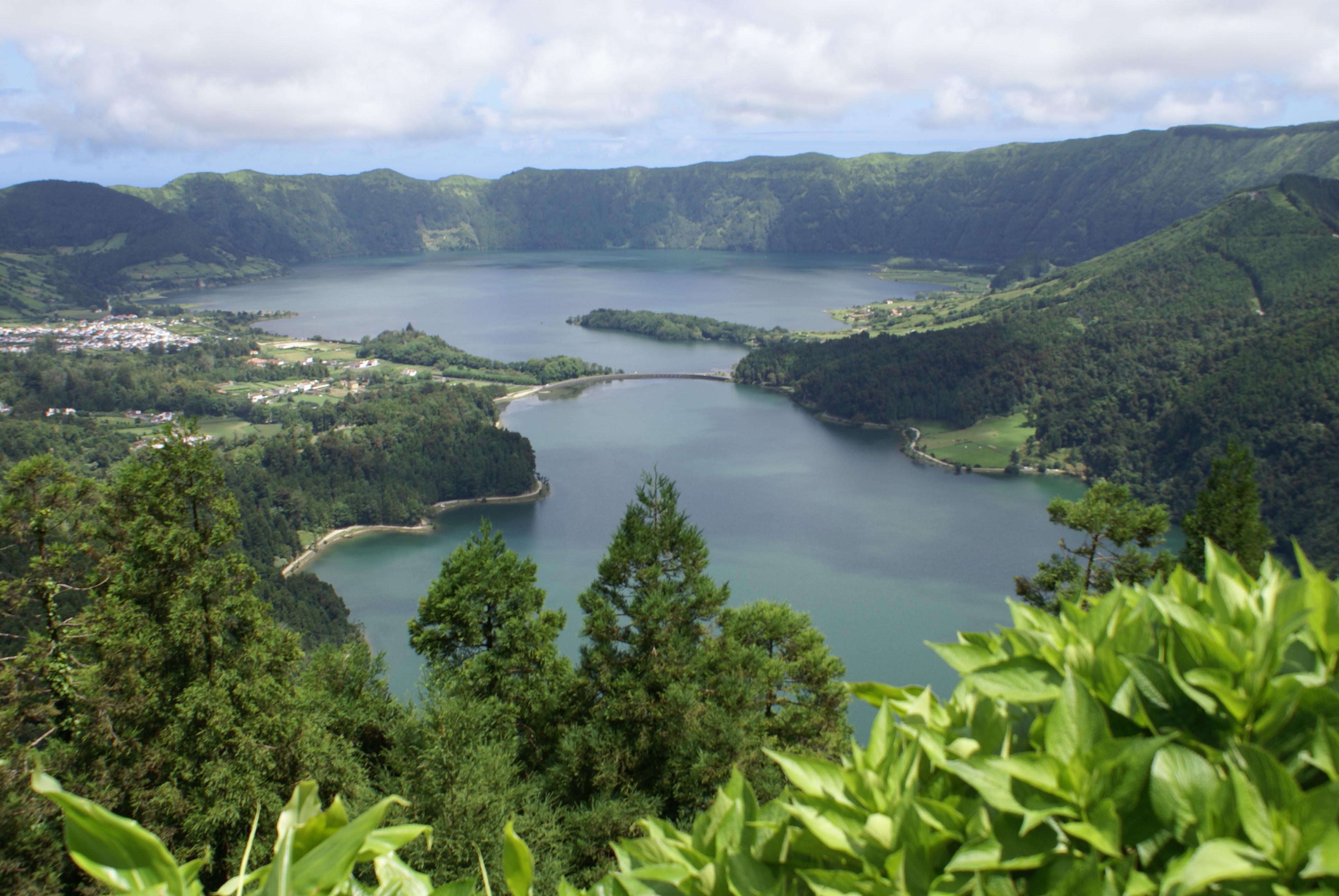 """""""Um paraíso a ser explorado"""". Condé Nast Traveler recomenda viagem aos Açores"""