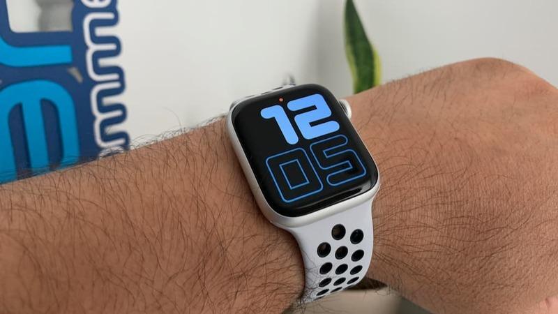 Apple Watch irá ter duas novas versões, uma em cerâmica e outra em titânio