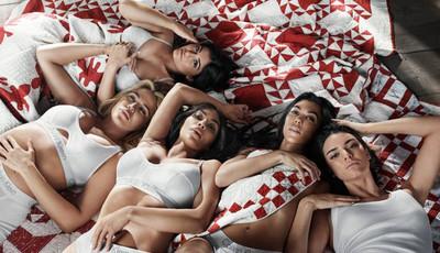 Os looks mais escandalosos das mulheres Kardashian-Jenner