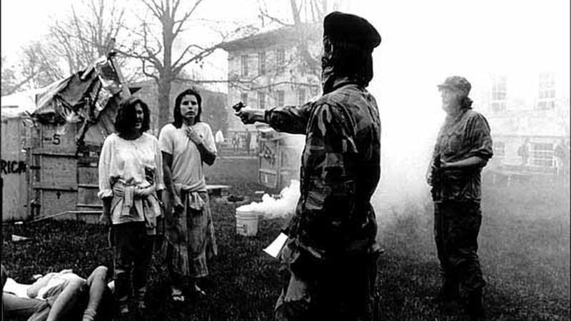 Imagem viral de Che Guevara a executar duas mulheres é verdadeira?