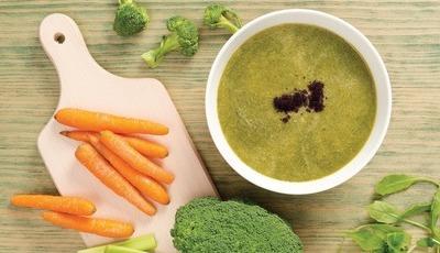 Sopa de rúcula e cenoura