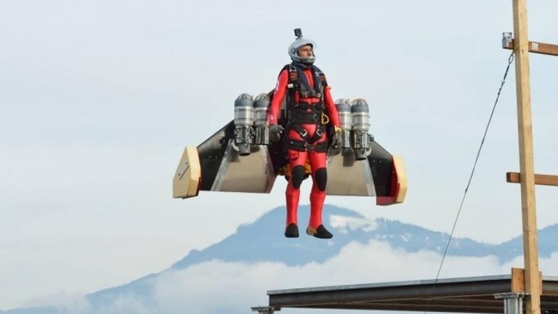 É um pássaro? É um avião? Não, é o Jetman!