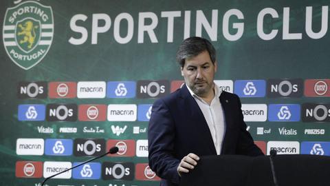 Bruno de Carvalho destituído da presidência do Sporting com mais de 70 por cento dos votos