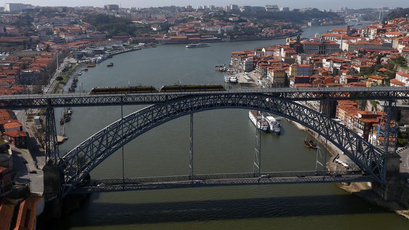 Porto e Gaia querem tabuleiro inferior da Ponte Luís I sem trânsito automóvel