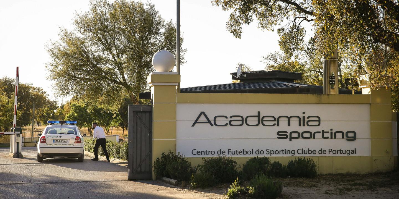 """Sporting: Nelson Pereira diz que ouviu alguém gritar """"'isto correu mal, vamos embora'"""""""