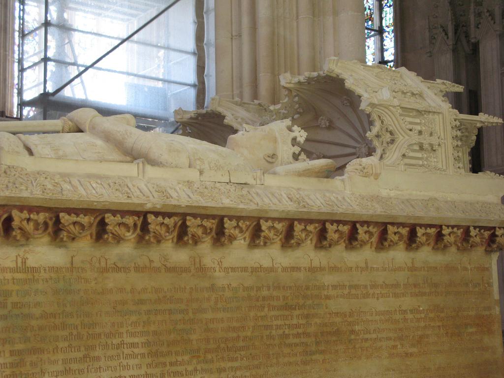 Estudo vai analisar inscrições no túmulo de D. João I e D. Filipa de Lencastre