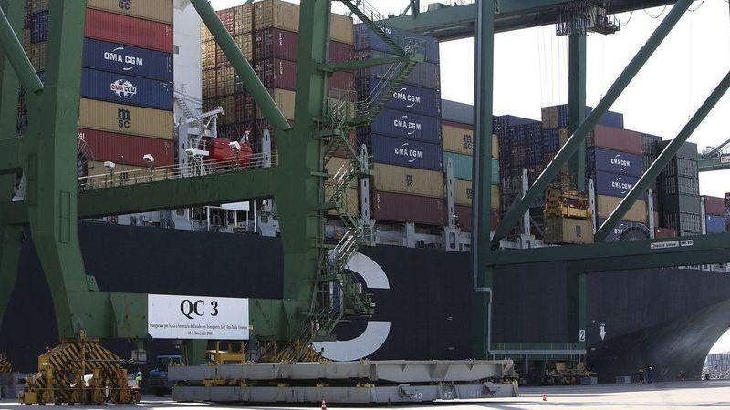 Portugal é o país da UE com maior valor de bens comercializados por via marítima