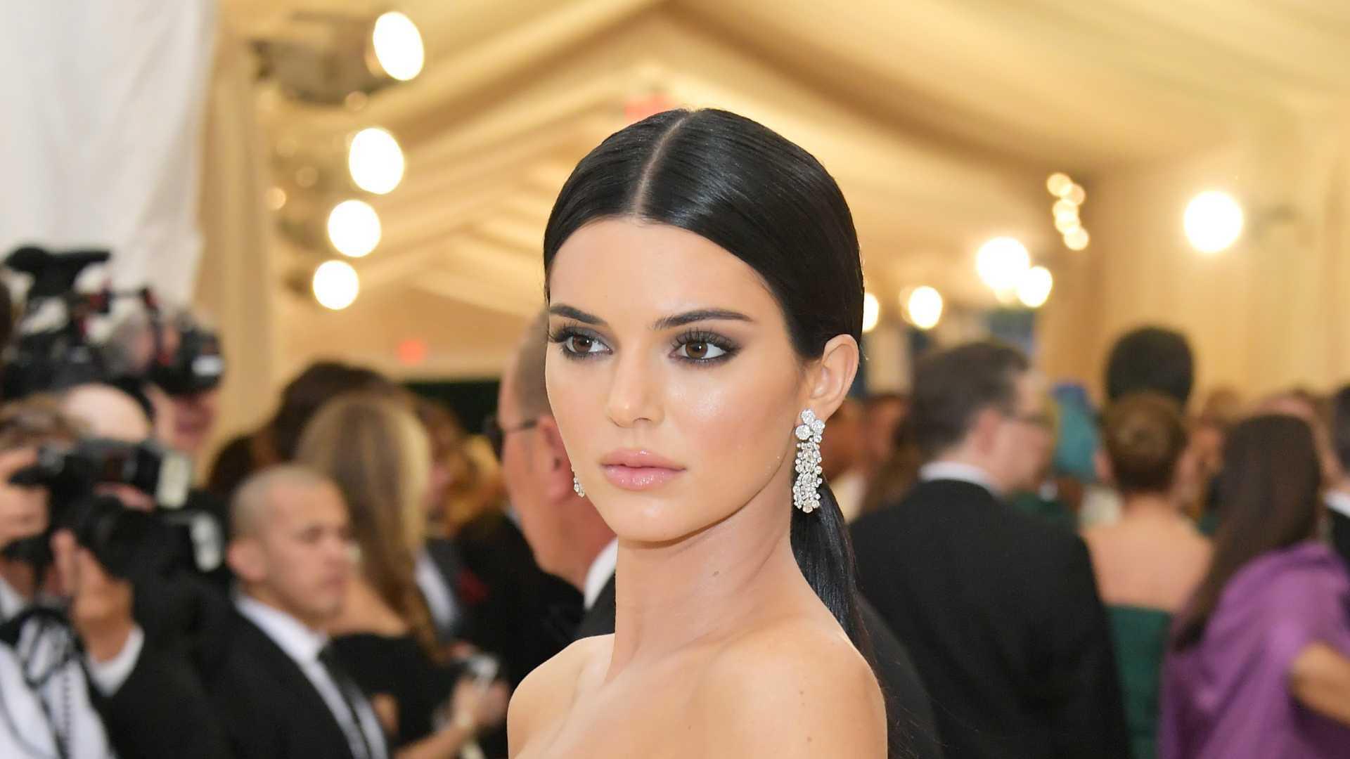 British Fashion Awards: Kendall Jenner opta por look ousado