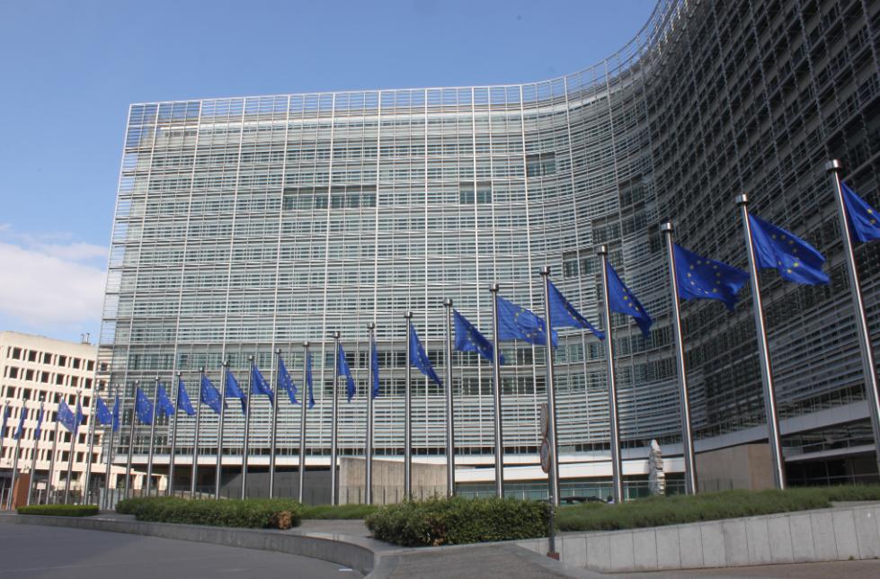 Bruxelas considera que Google, Twitter e Facebook