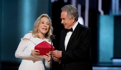 Ainda o caos dos Óscares: Faye Dunaway fala pela primeira vez sobre a gaffe