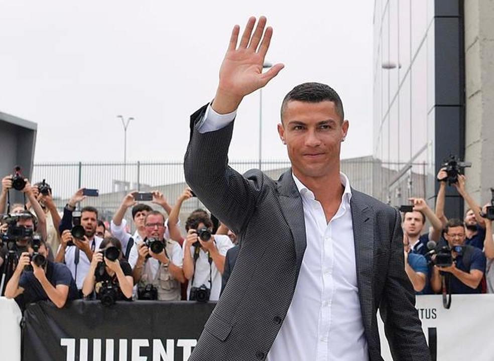 """""""Ronaldo é o melhor jogador do planeta, mas vai dividir o balneário com um campeão mundial"""""""