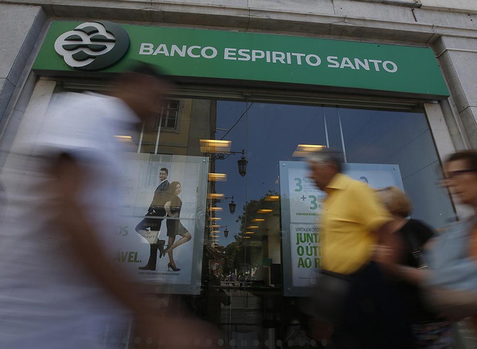Mecanismo para ajudar lesados não qualificados do BES e Banif dá hoje tiro de partida
