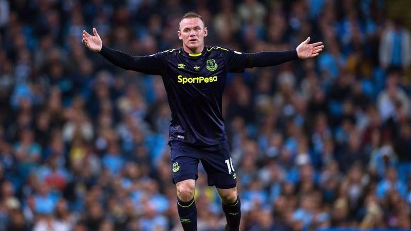 """Com Mourinho na bancada e Rooney como """"avançado espião"""", Everton empata com Manchester City"""