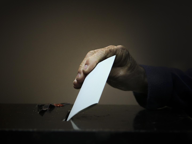 França: O presidente foi para casa. E levou os votos com ele