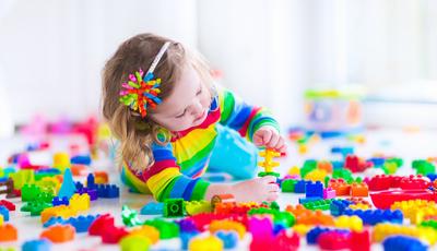 6 cuidados que pais e educadores devem ter com os brinquedos dos mais pequenos